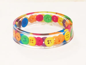 Button-resin-bracelet