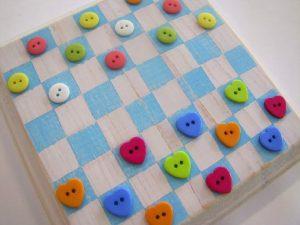 Cottage-chic-button-checkerboard