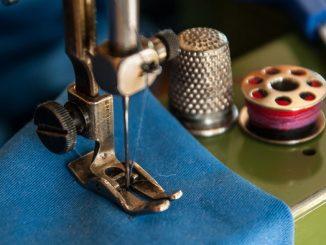 Sew a Zipper to Garment (1)