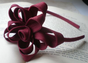 How to make a pretty zipper flower