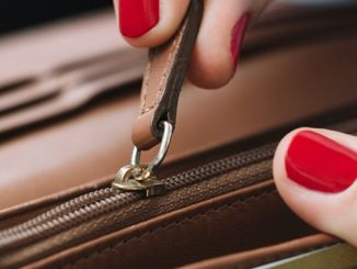 how-to-prevent-a-zipper-breaking